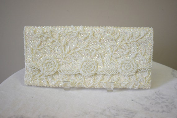 1960s White Beaded Evening Clutch