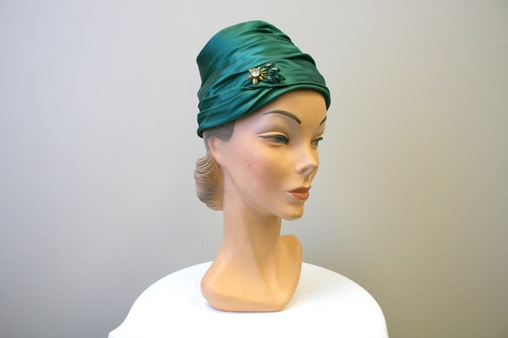 1940s Green Satin Turban Hat