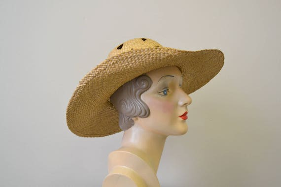 1930s Wide Brimmed Straw Sun Hat - image 3