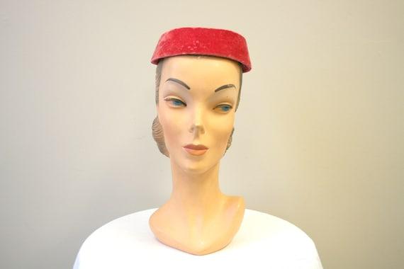 1950s Pink Velvet Ring Hat - image 2