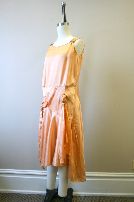 1920s/30s Peach Satin Drop Waist Evening Dress - image 4