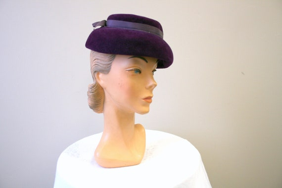 1940s Purple Wool Velour Hat
