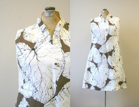 1960s Shift Shack Tropical Leaf Print Dress