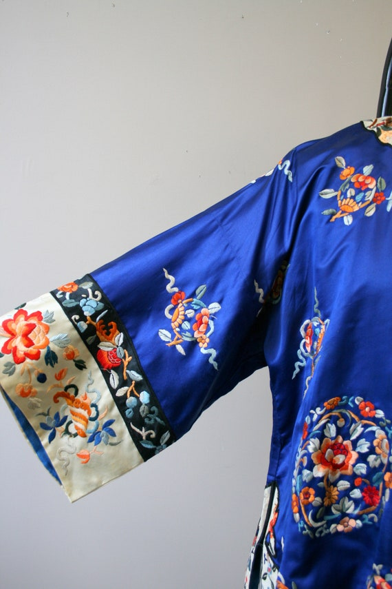 1930s Embroidered Chinese Blue Silk Jacket - image 6