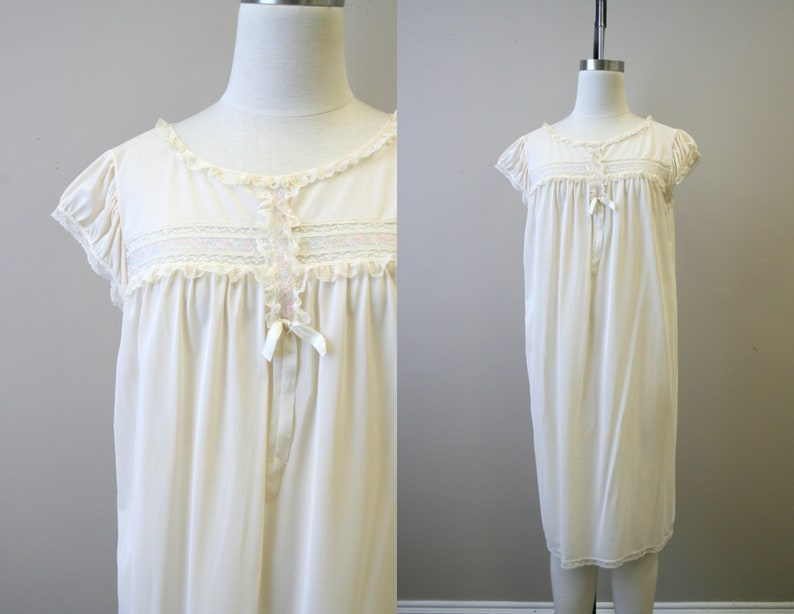 1960s Cream Night Gown