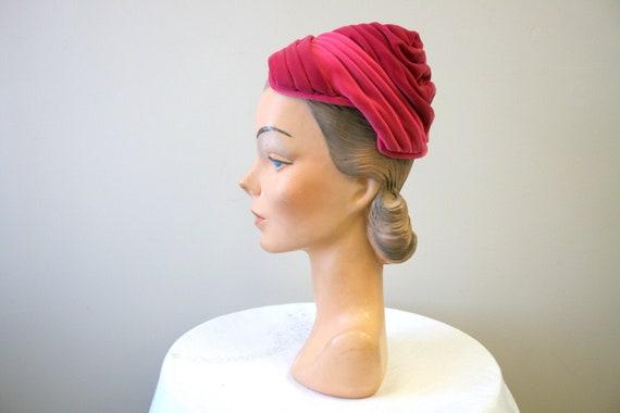 1940s Evelyn Varon Pink Velvet Turban