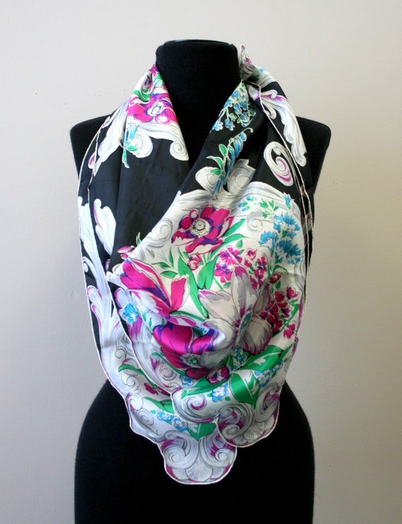 1940s Bright Floral Silk Scarf - image 2