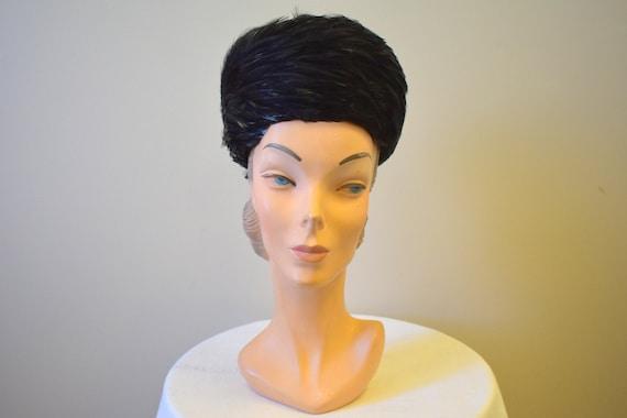 1960s Leon Lustrous Black Feather Pillbox Hat