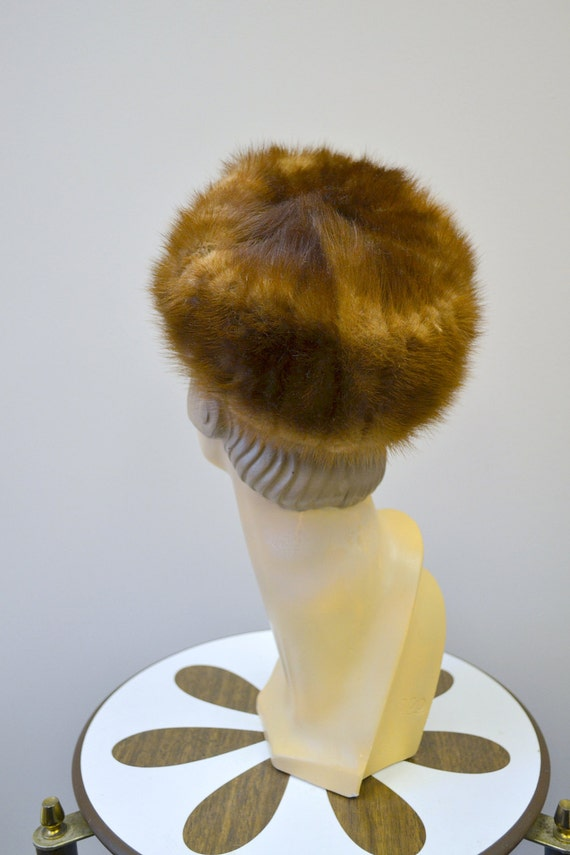 1960s Brown Fur Pillbox Hat - image 3