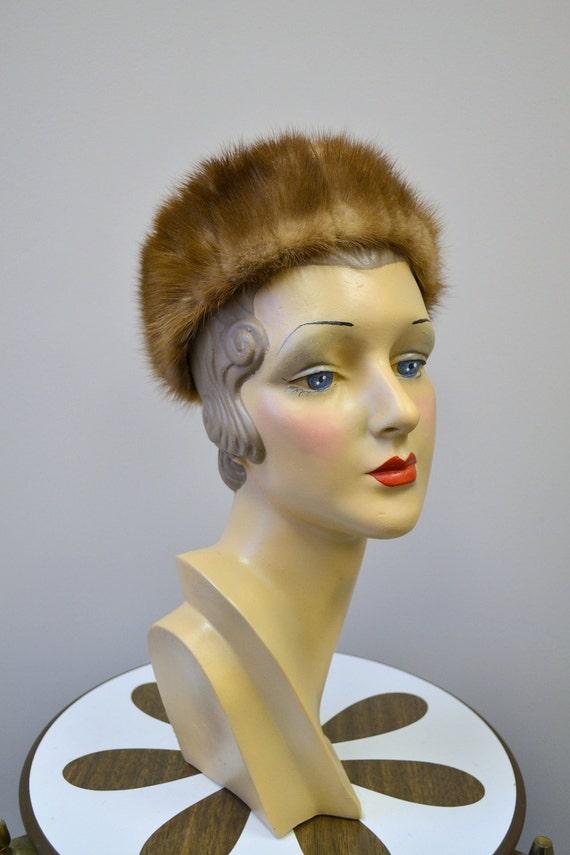 1960s Brown Fur Pillbox Hat - image 1