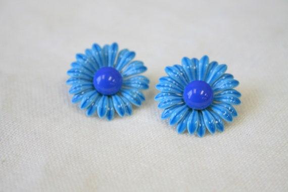 1960s Turquoise Enamel Daisy Clip Earrings