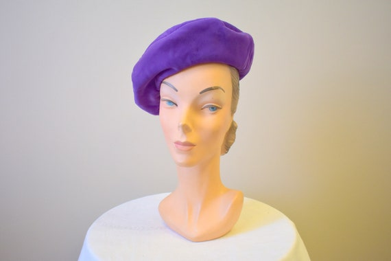 1960s Bright Purple Velveteen Beret