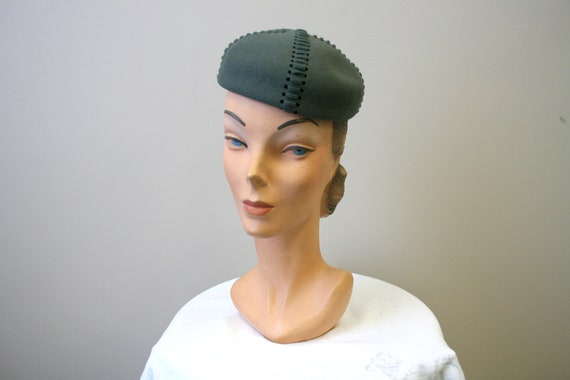1940s Green Wool Felt Hat with Lacing