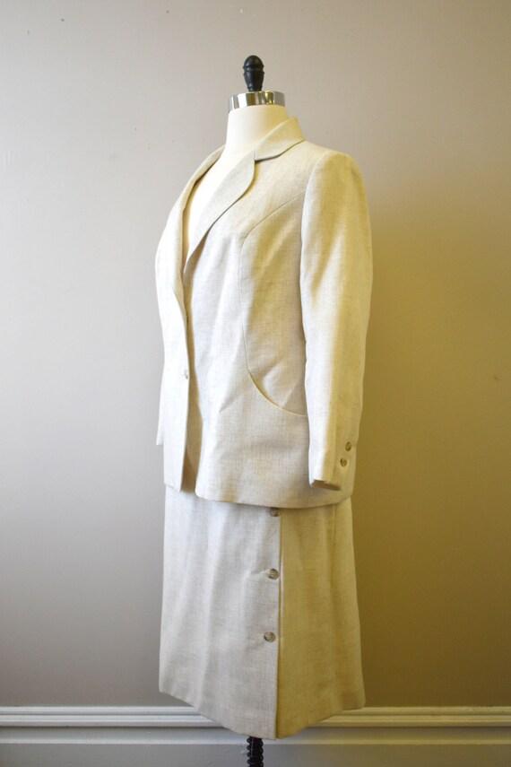 1970s Beige Stiff Linen Skirt Suit - image 4