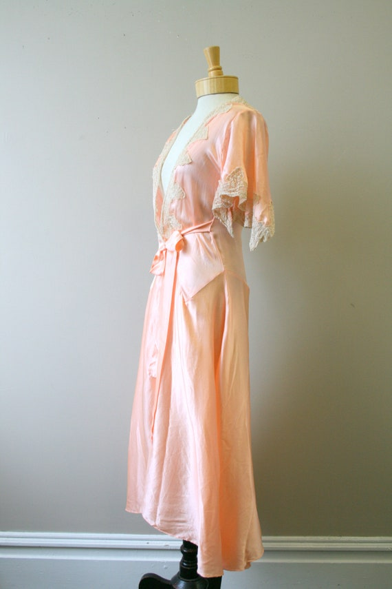 1920s/30s Coral Silk and Lace Robe - image 5
