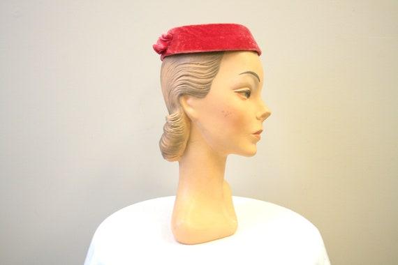 1950s Pink Velvet Ring Hat - image 1