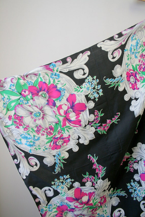 1940s Bright Floral Silk Scarf - image 4