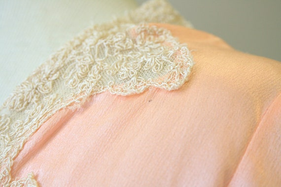 1920s/30s Coral Silk and Lace Robe - image 8