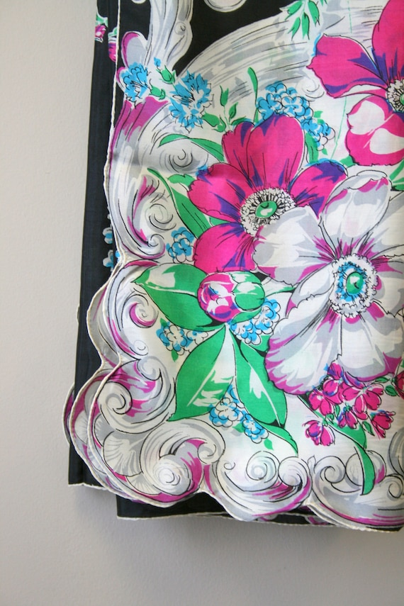 1940s Bright Floral Silk Scarf - image 5