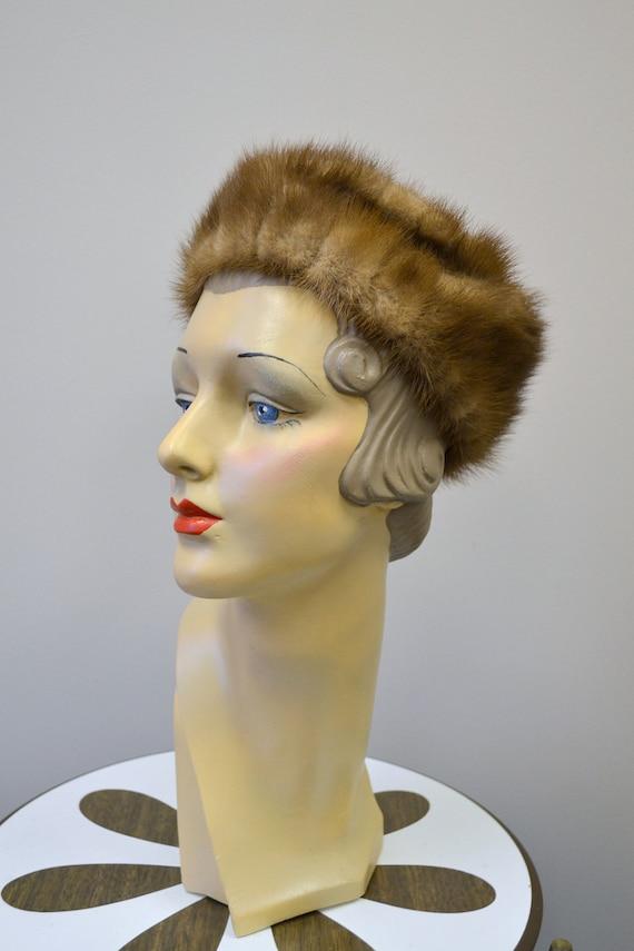 1960s Brown Fur Pillbox Hat - image 2