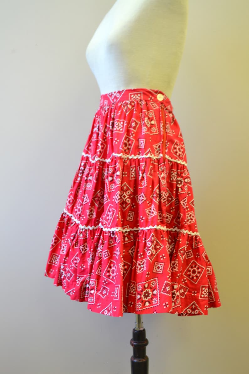 1950s Aldens Fashions Red Bandana Tiered Skirt
