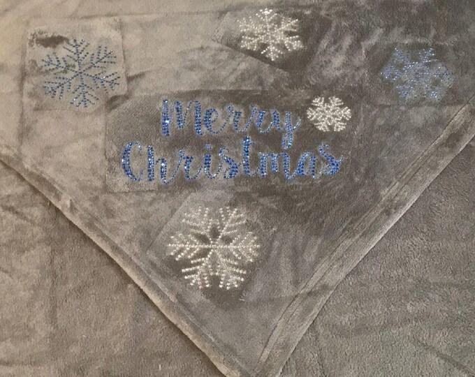 Merry Christmas Snowflake Fleece Blanket