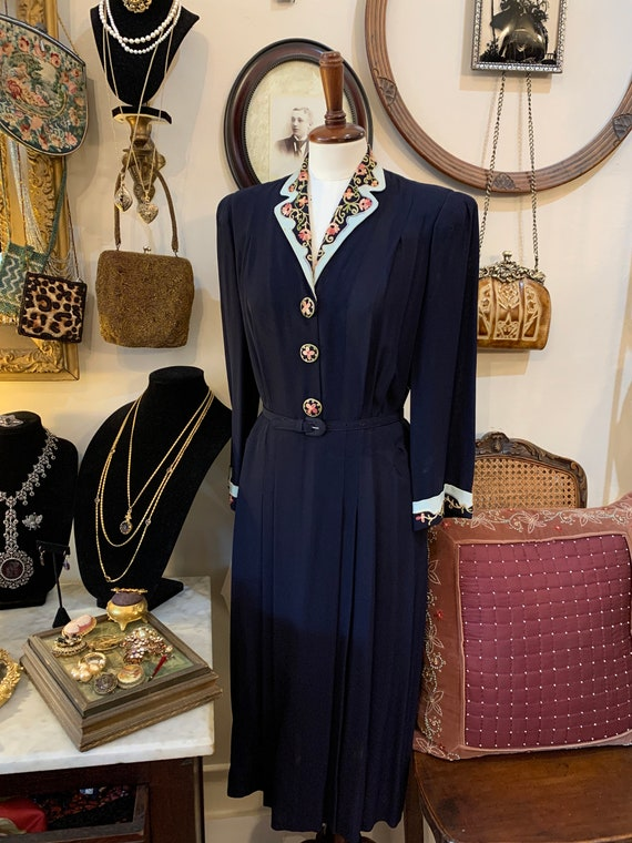 Vintage 40s Navy Spring Dress/1940s Contrast Lapel