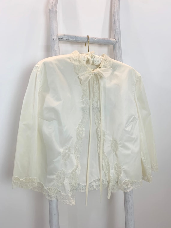 Vintage 1950s Bed Jacket/Ivory Silky Bed Jacket/Vi