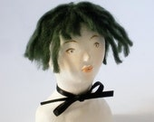 Doll Bust Elise / Green Hair Chocker Bow