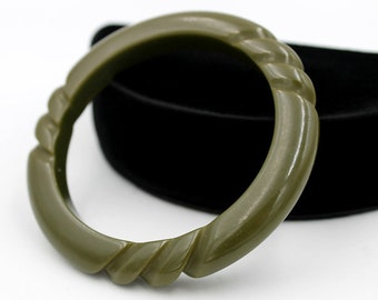Olive Green Bakelite Bangle with Rope Carving, Bakelite Jewelry