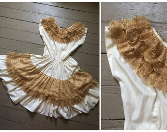 vintage 1950s '60s patio dress with gold lace collar   Bettina of Miami, '50s full circle skirt, Halloween costume, S
