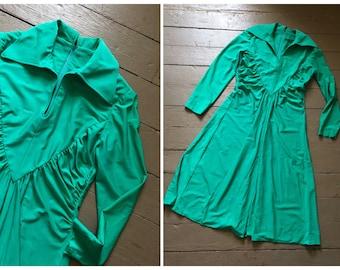 Halloween costume, true vintage 1970s designer dress, RONA New York, spearmint green wide collar '70s dress