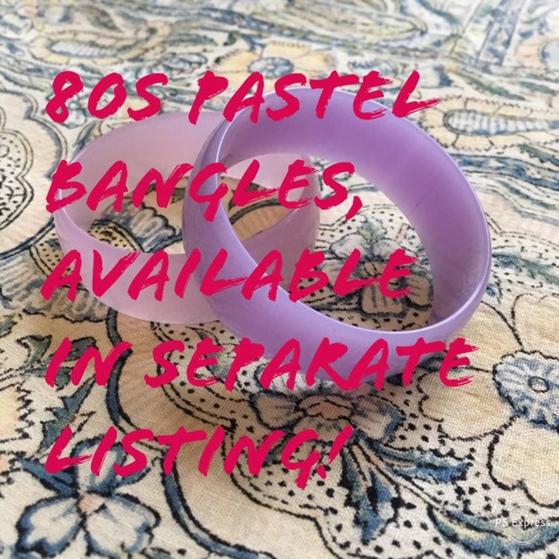 lucite bangle bracelet  80s jewelry baby blue vintage 80s lucite bracelet pastel jewelry  powder blue bangle perspex jewelry
