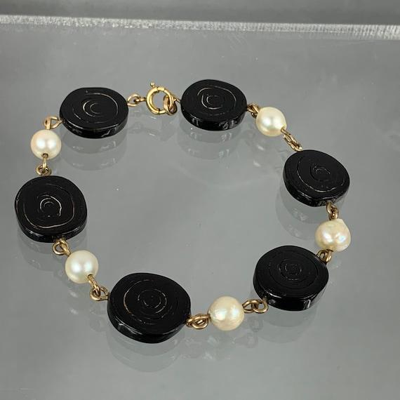 Gr 59 Solid 14 kt Gold Vintage Floral Pearl and Black Coral Brooch 4.21 Grams