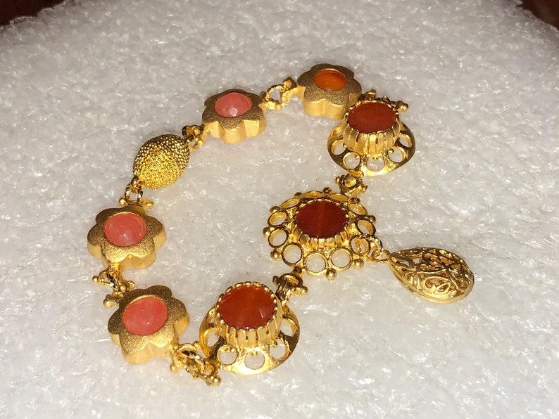 Magnetic Clasp 7 12 Long Turkish Bracelet w3-Stone 24K Gold ORANGE JADE Domed FILIGREE Foci /& 4 Orange Jade Flower Beads Filigree Drop
