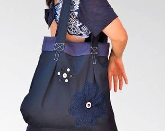 Handbag in navy blue cotton, Bag decorated with buttons and large knit flower