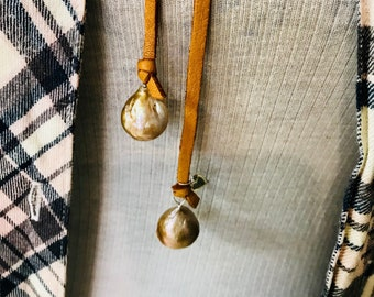 Champagne Baroque Pearl Leather Lariat Necklace