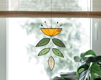Stained glass Flower,Yellow Flower Suncatcher,Glass plant,Cactus decor,Succulent decor,Mother's day gift,Garden gift,Spring decor,Art mobile