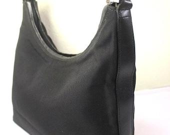 69ba7e6cc54 Vintage GUCCI Black Nylon   Leather Hobo Shoulder Bag Italy