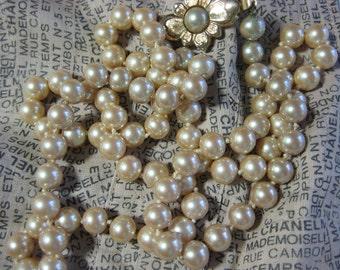 Vintage 1970's Pearl Necklace Choker Gold Pendant