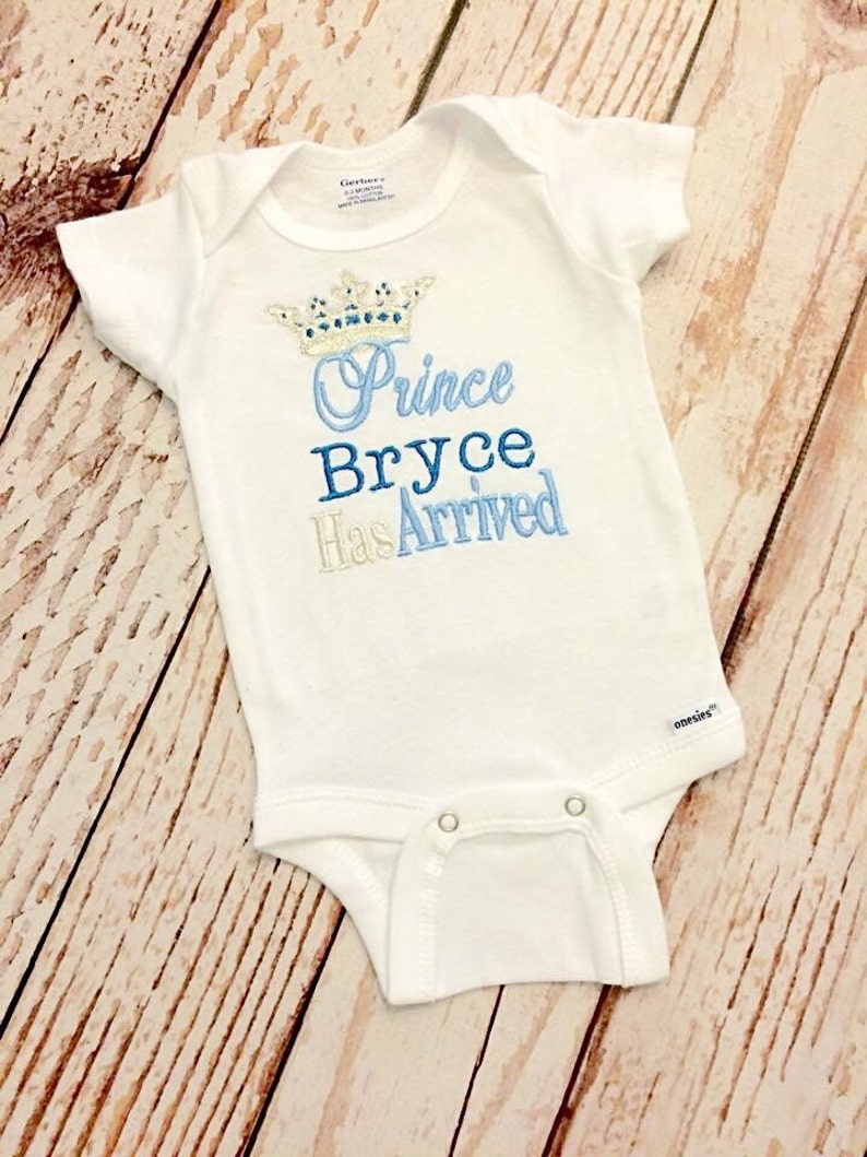 PRINCE HAS ARRIVED PERSONALISED BABY GROW,OUTFIT,BODYSUIT NEWBORN CHRISTMAS GIFT