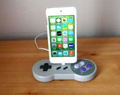 Super Nintendo SNES controller iPod touch iPhone X, 8, 7, 6, 5 5S 5C usb charging dock