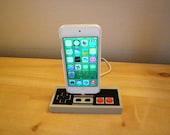 Nintendo NES iPhone X, 8, 7, 6, 5 charging dock controller