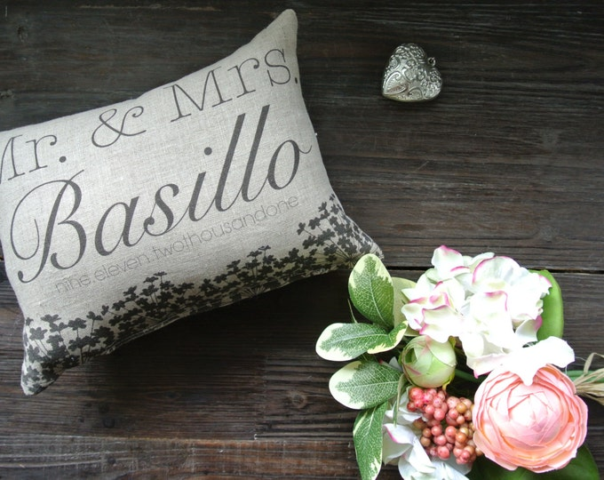 Mr & Mrs Pillow, Wedding Day Pillow, Name Date Pillow, shower gift pillow, Personalized Pillow, Couples, anniversary pillow, Rustic Decor