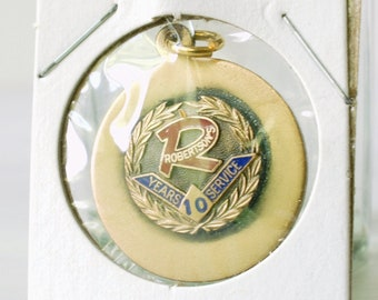 Vintage Robertson's Department Store 10 Year Service pendant charm, watch fob, metal enamel award, downtown South Bend Indiana, anniversary