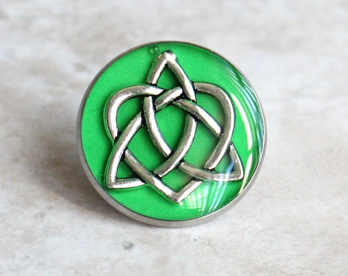bright green celtic knot tie tack, lapel pin, triquetra tie tack, celtic jewelry, mens jewelry, wedding party, groomsmen gift, groom gift