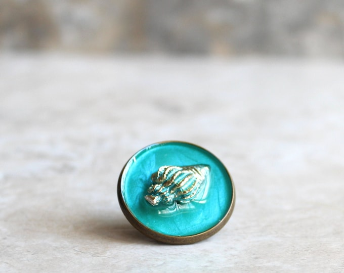 aqua conch shell lapel pin, shell tie tack, ocean jewelry, mens jewelry, wedding party, groomsman gift, unique gift, beach theme
