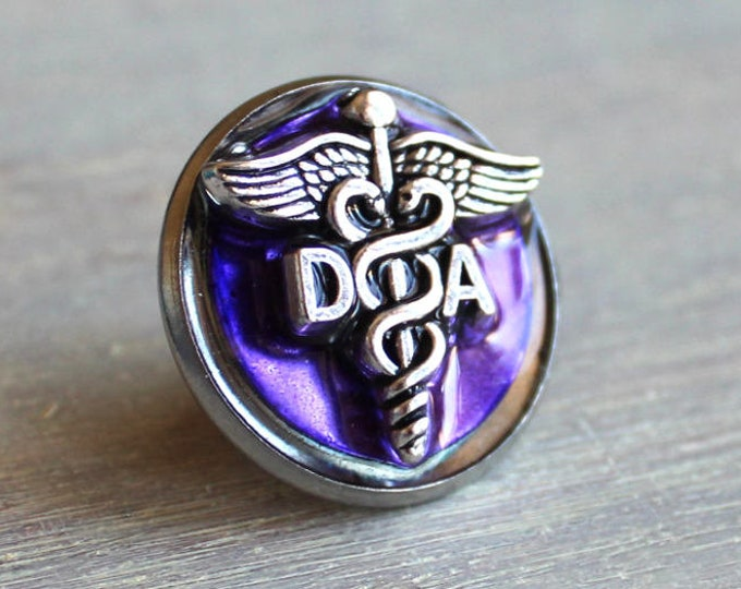 dental assistant pin, purple, DA pinning ceremony