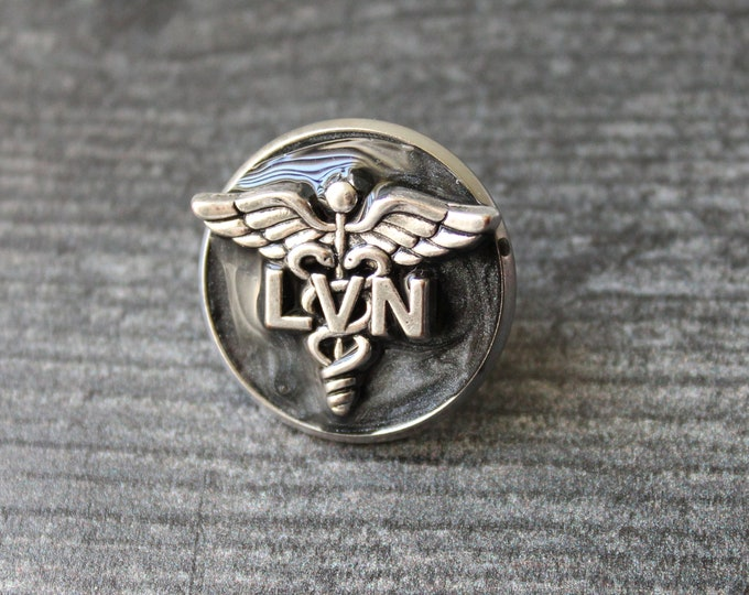 licensed vocational nurse pin, LVN pinning ceremony, white coat ceremony, black
