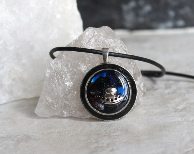 UFO necklace, alien necklace, outer space pendant, galaxy jewelry, unique gift, flying saucer, area 51